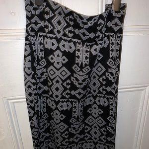 Forever 21 tribal bodycon skirt. Size 1x
